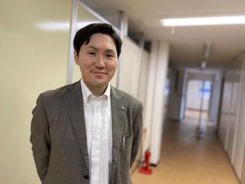 レンタル大田 所長の湊です。以前は、施設で介護職をしていました。